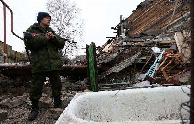 Un combattant de la République du Peuple de Donetsk à Gorlovka en Décembre 2014.