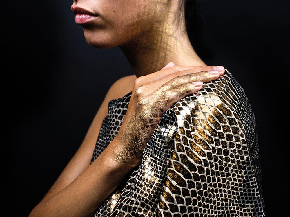 Body painting pitone su modella | Sottosopra Comunicazione