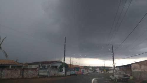 Fortes ventos deixam moradores do povoado Três Barras assustados (1)