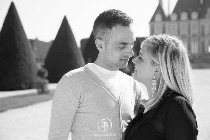 Soul_Bliss_photographie_Séance_Engagement_Parc_de_sceaux_couple_Mariage_Fiançailles_couple_94_jean_blond_yeux_bleus__(10_sur_20)