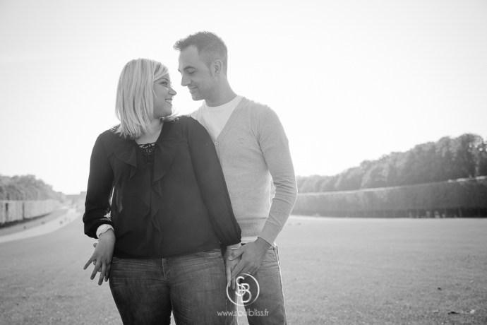 Soul_Bliss_photographie_Séance_Engagement_Parc_de_sceaux_couple_Mariage_Fiançailles_couple_94_jean_blond_yeux_bleus__(2_sur_20)