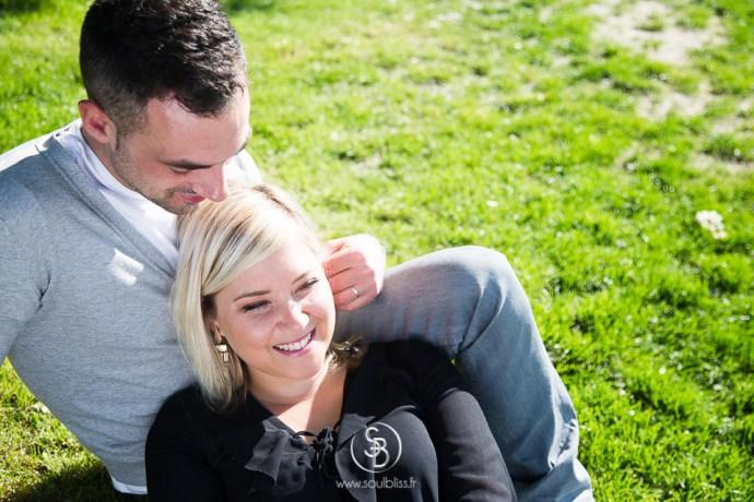 Soul_Bliss_photographie_Séance_Engagement_Parc_de_sceaux_couple_Mariage_Fiançailles_couple_94_jean_blond_yeux_bleus__(6_sur_20)