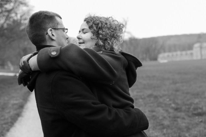 025-seance_engagement_domaine_de_chamarande_photographe_mariage_essonne_soul_bliss