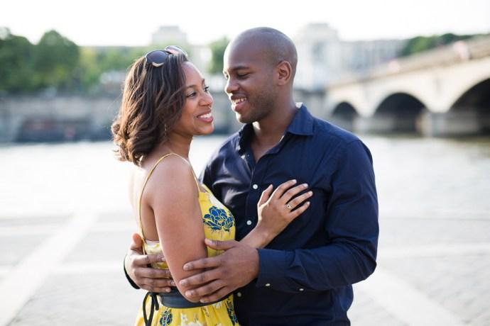 452-seance-engagement-paris-tour-eiffel-photographe-mariage-soul-bliss