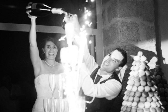 mariage-domaine-de-champgueffier-la-chapelle-iger-soiree-champagne-danse-fete-DJ-david-photographe-soul-bliss