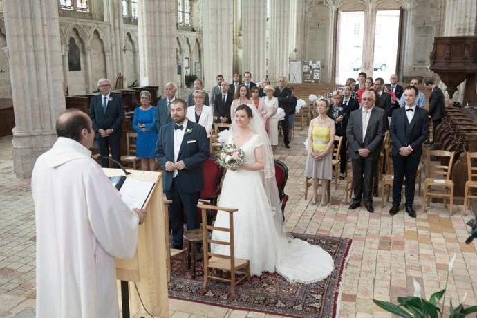 Mariage Moulin de Dampierre saint yon Église Saint-Sulpice de Saint-Sulpice-de-Favières ceremonie photographe mariage paris soulbliss