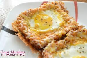 cheesy baked egg toast for breakfast