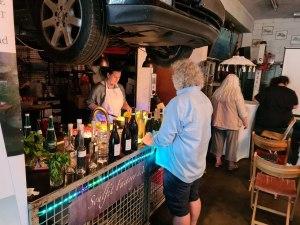 Die Werkstatt-Bar für unser Vereinstreffen von Alexander Becker wieder professionell bereit gestellt - Fotoo Carlos Vicente Plaza