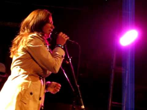 Maya Rudolph performing the music of Prince (backed by THE ROOTS!) at Brooklyn Bowl on September 20, 2012 at 10PM