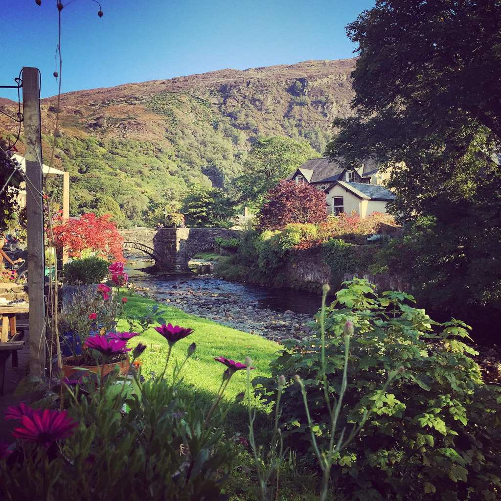 yoga retreat Wales