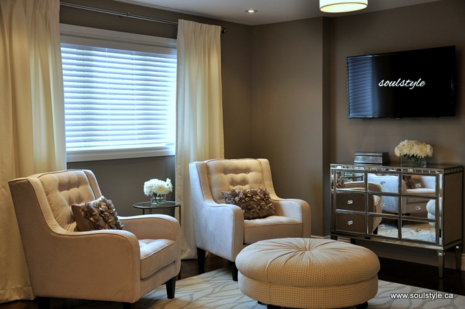 Master Bedroom Seating Area Mirror Console Dresser