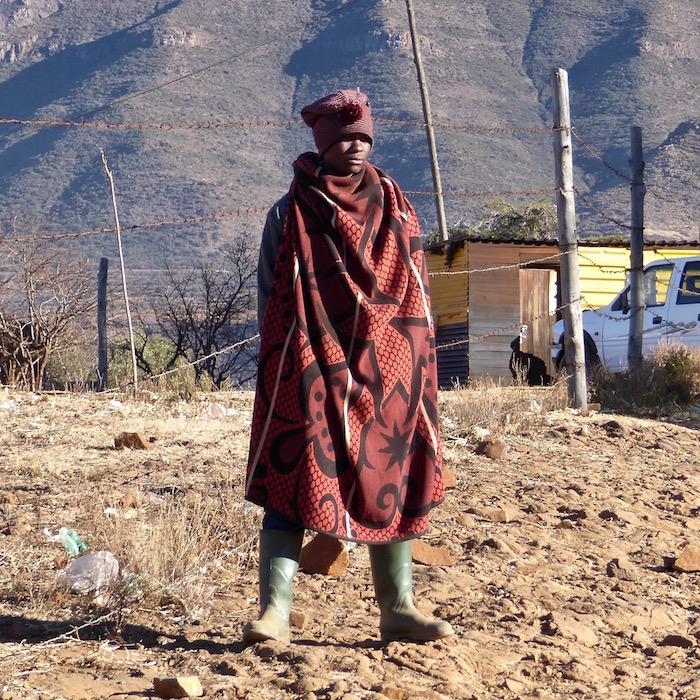 basotho indossa tipica coperta