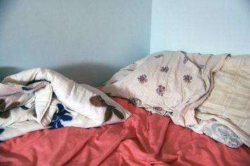gestante-cama-mal-arrumada