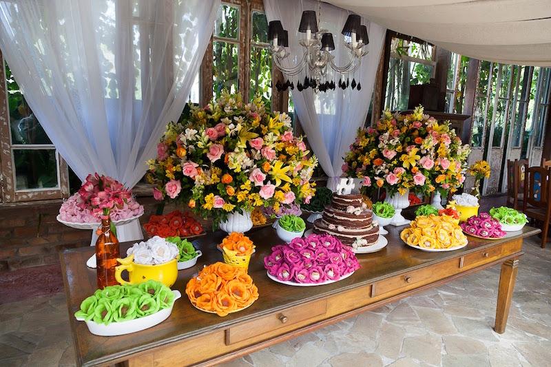chá-de-bebê-colorido-flores