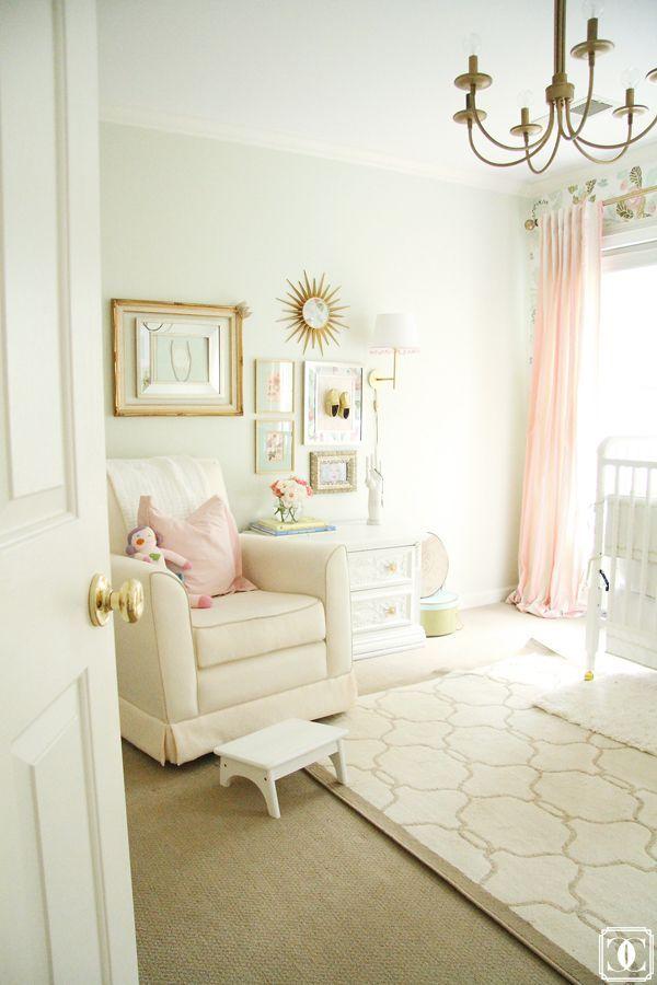 quarto-de-bebê-branco