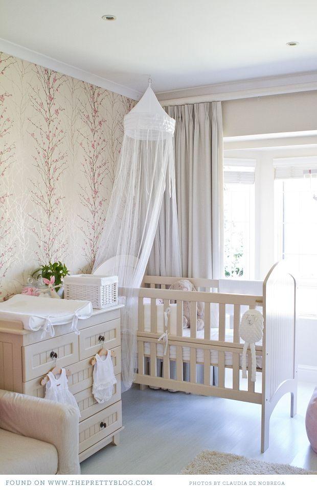 quarto de bebê simples flores
