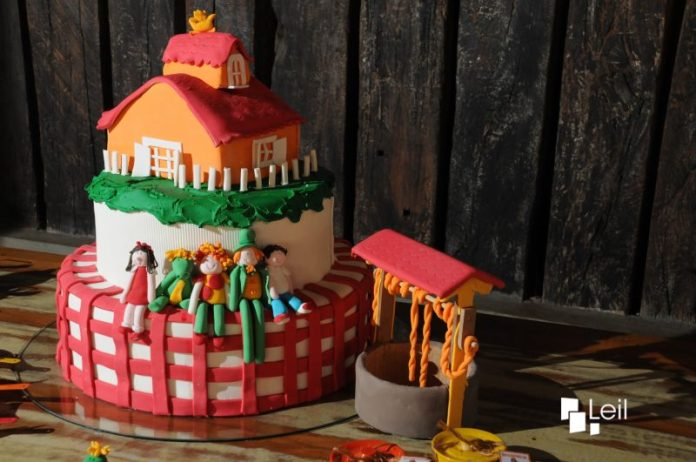 bolo-aniversario-sitio-do-pica-pau-amarelo