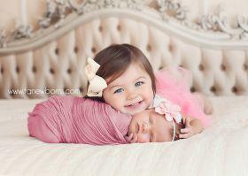 dicas para tirar fotos mãe e filhos newborn irmãs