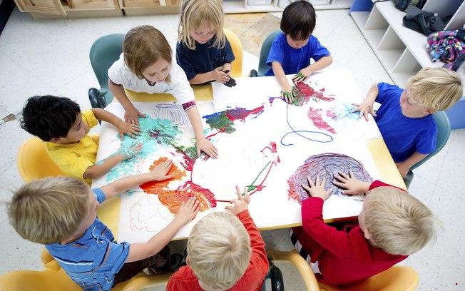 oficina-de-pintura-em-festa-de-crianc%cc%a7a