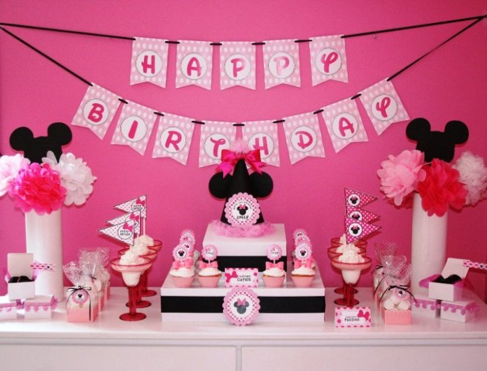 festa-minnie-rosa-preto