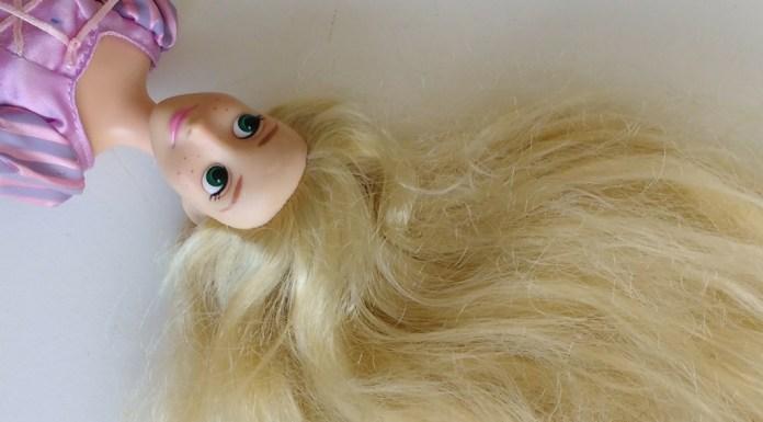 como-lavar-cabelo-da-barbiecomo-lavar-cabelo-da-barbie