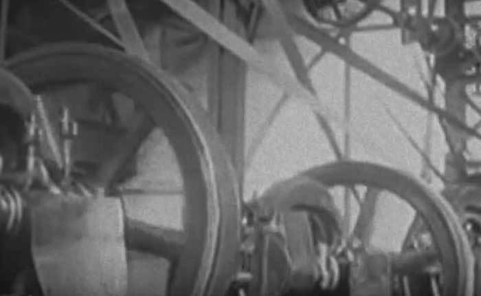 Machine Age Trailer Bibelot