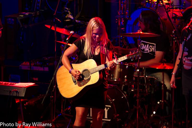 Dani Strong - The Phoenix Concert Theater - Toronto - Photo: Ray Williams