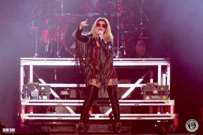 Shania Twain photo by Sean Sisk for Sound Check Entertainment