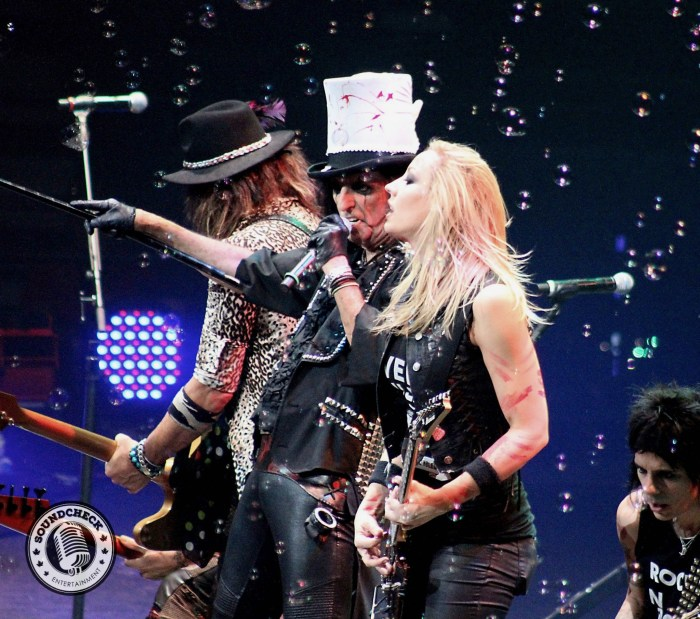 """""""School's Out"""" Alice Cooper and Nita Strauss photo by -Jason Marshall for Sound Check Entertainment"""