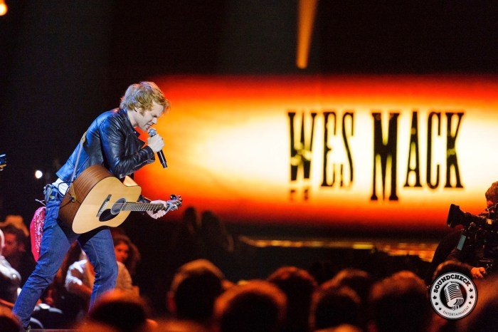 Wes Mack Performs at the 2015 CCMA Awards - James Batten Photography