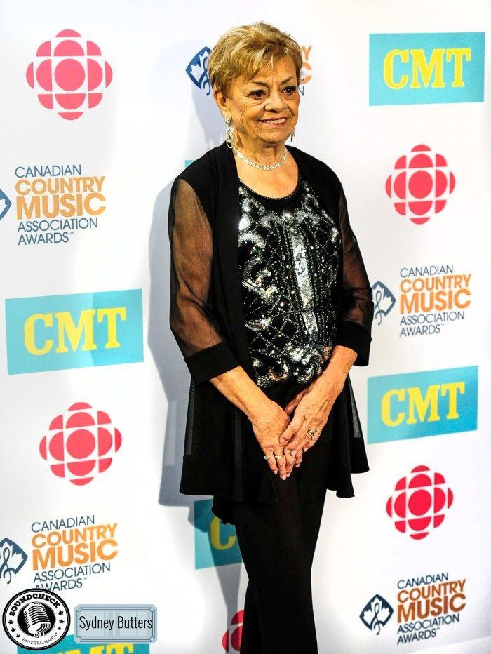 Dianne Leigh @ CCMA Green Carpet 2015 - Admit 1 Photography