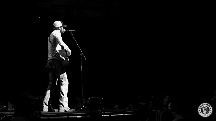 Brian Davis performs on the Blackout Tour at Budweiser Gardens in London, ONT - Photo: Corey Kelly