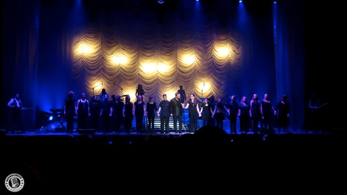 Johnny Reid performs with Laurentian Public School in Kitchener at Center In The Square - Photo: Corey Kelly