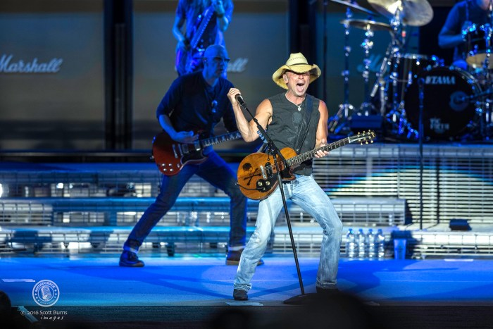 Kenny Chesney performs to a sold out Molson Amphitheatre. Photo: Scott Burns