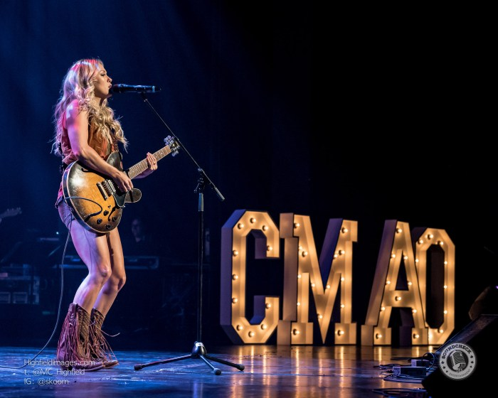 Meghan Patrick performs during the CMAO Awards - photo by Mike Highfield