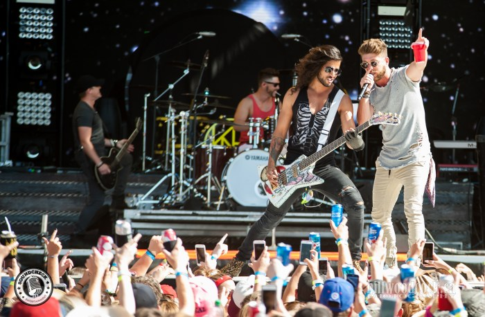 Chris Lane performs at Trackside Music Festival in London, ONT - Photo: Bill Woodcock