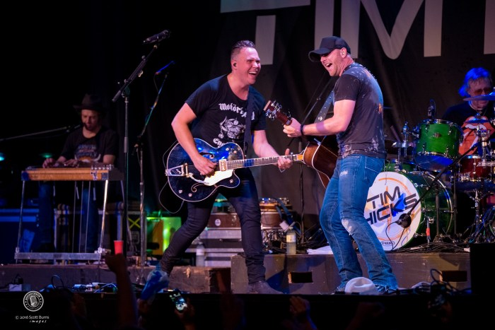 Tim Hicks performs at The KEE To Bala. Photo: Scott Burns