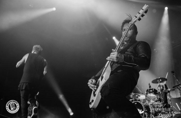 Papa Roach perform in London ON - photo: Bill Woodcock