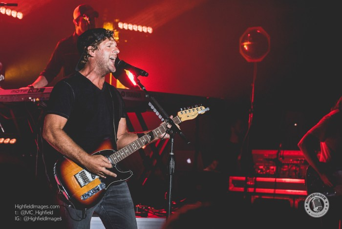 Billy Currington Danforth Music Hall