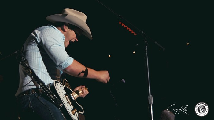 Jon Pardi peforms at General Motors Centre in Oshawa on the Me And My Kind Tour - Photo: Corey Kelly