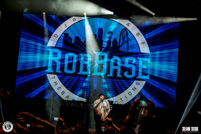 Rob Base performs at TD Place as part of the I Love the 90s Tour - photo by Sean Sisk for Sound Check Entertainment