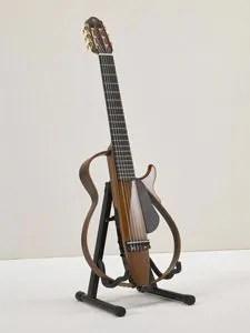 指板幅(上駒部/胴接合部):52mm/62mm クラシックギターのナット幅。 ナイロン弦タイプのサイレントギター。クラシックギターを静かに練習したい方、可搬性を求める方におすすめのアイテムです。静粛性とともにSRTパワードピックアップシステムによる高音質なサウンドを実現しています!