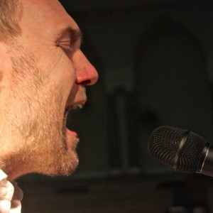 David Gray and his DPA d:facto II Microphone