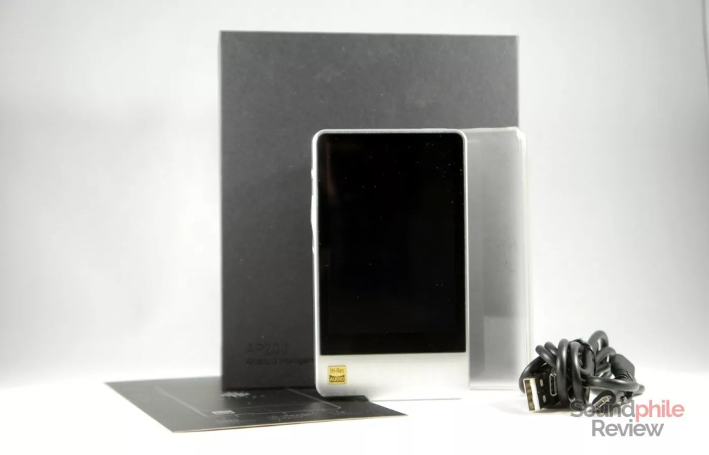 Hidizs AP200 packaging and accessories