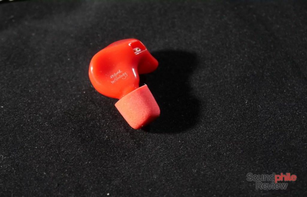 KZ ZS4 shell with foam eartip
