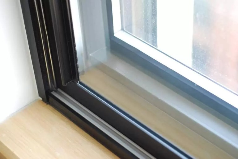 9 Tips On How to SoundProof Windows in Cheap and Affordable Price