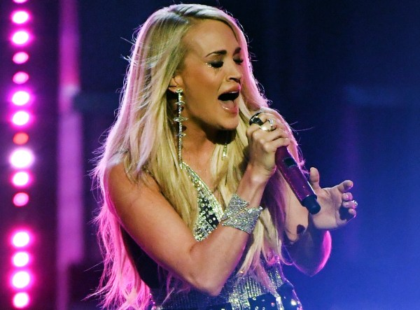 Carrie Underwood Makes Triumphant Return to the Stage at ...