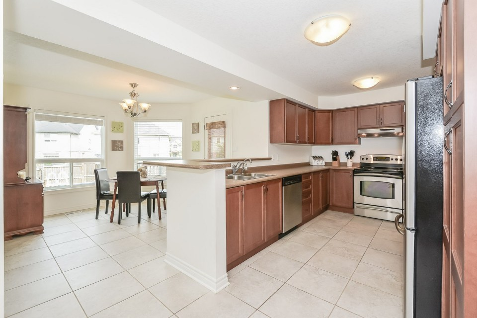 big family home in guelph