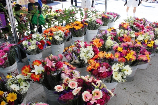 Just like the fruits and vegetables, a wide variety of flowers area available in the market.