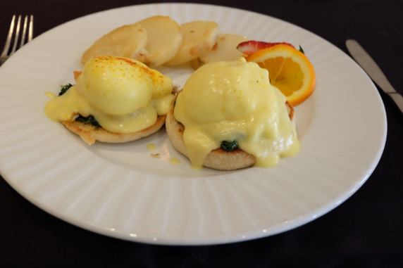 Salmon and spinach eggs benedict